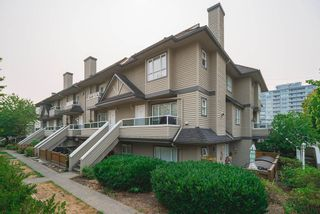 """Photo 3: 104 3938 ALBERT Street in Burnaby: Vancouver Heights Townhouse for sale in """"HERITAGE GREENE"""" (Burnaby North)  : MLS®# R2300525"""