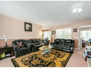 """Photo 2: 205 13725 72A Avenue in Surrey: East Newton Townhouse for sale in """"PARK PLACE ESTATES"""" : MLS®# F1418923"""