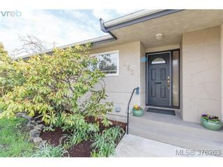 Photo 2: 465 Arnold Ave in VICTORIA: Vi Fairfield West House for sale (Victoria)  : MLS®# 755289