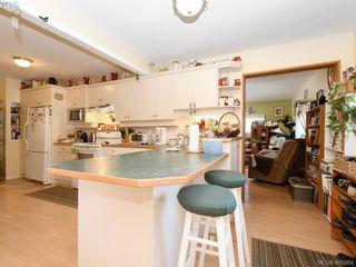 Photo 10: 1752 Coronation Ave in VICTORIA: Vi Jubilee House for sale (Victoria)  : MLS®# 806801