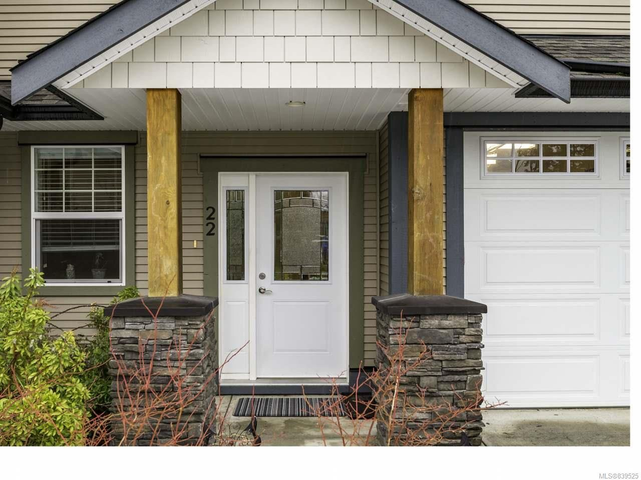 Main Photo: 22 2112 Cumberland Rd in COURTENAY: CV Courtenay City Row/Townhouse for sale (Comox Valley)  : MLS®# 839525