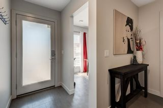 Photo 3: 7038 34 Avenue NW in Calgary: Bowness Row/Townhouse for sale : MLS®# A1096713