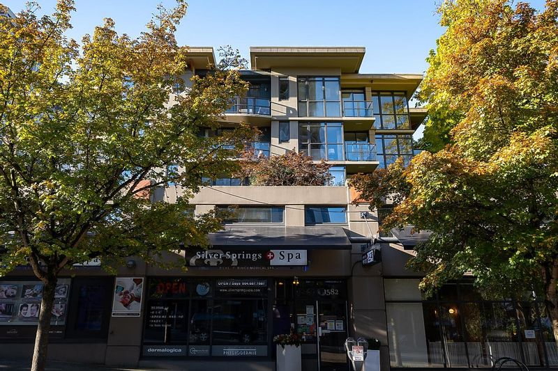 FEATURED LISTING: 303 - 828 CARDERO Street Vancouver