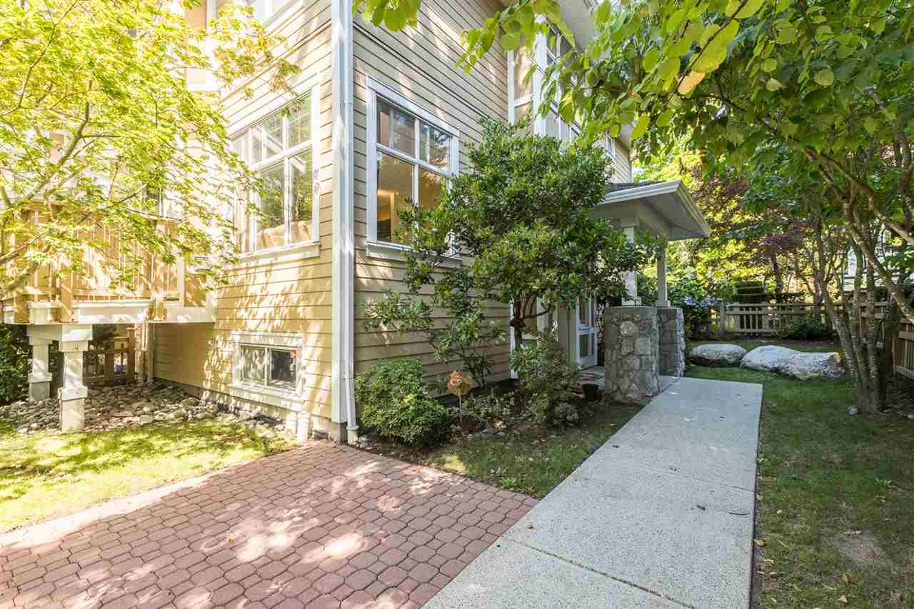 """Photo 36: Photos: 971 WESTBURY Walk in Vancouver: South Cambie Townhouse for sale in """"Churchill Gardens"""" (Vancouver West)  : MLS®# R2488294"""