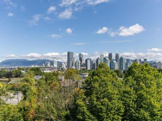 """Photo 3: 303 1166 W 6TH Avenue in Vancouver: Fairview VW Condo for sale in """"Seascape Vista"""" (Vancouver West)  : MLS®# R2603858"""