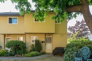 "Photo 2: 3348 FINDLAY Street in Vancouver: Victoria VE Townhouse for sale in ""FINDLAY BY TROUT LAKE"" (Vancouver East)  : MLS®# R2201672"