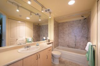 """Photo 9: 1000 1570 W 7TH Avenue in Vancouver: Fairview VW Condo for sale in """"Terraces on 7th"""" (Vancouver West)  : MLS®# R2624215"""