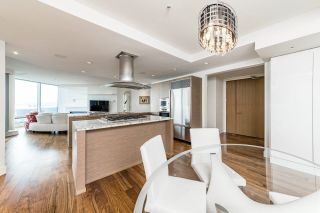 Photo 5: 4301 1111 ALBERNI Street in Vancouver: West End VW Condo for sale (Vancouver West)  : MLS®# R2608664