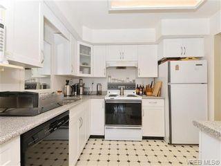 Photo 10: 216 1366 Hillside Ave in VICTORIA: Vi Oaklands Condo for sale (Victoria)  : MLS®# 740930