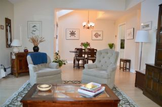 """Photo 3: PH2 2320 W 40TH Avenue in Vancouver: Kerrisdale Condo for sale in """"MANOR GARDENS"""" (Vancouver West)  : MLS®# R2434929"""