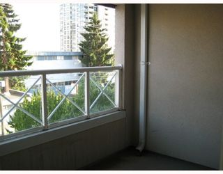 """Photo 4: 304 525 AGNES Street in New_Westminster: Downtown NW Condo for sale in """"AGNES TERRACE"""" (New Westminster)  : MLS®# V784575"""