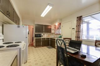 Photo 3: 5611 COLLEGE Street in Vancouver: Collingwood VE House for sale (Vancouver East)  : MLS®# R2236427