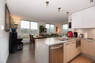 """Photo 3: 2301 3007 GLEN Drive in Coquitlam: North Coquitlam Condo for sale in """"Evergreen"""" : MLS®# R2558323"""