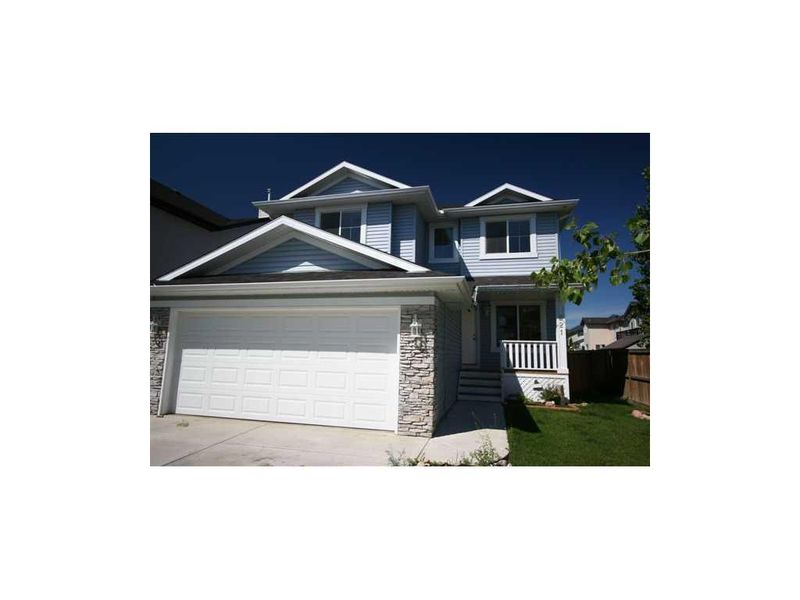 FEATURED LISTING: 221 Oakmere Way Chestermere