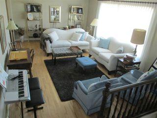 Photo 3: 3412 83 Street in Edmonton: Zone 29 House for sale : MLS®# E4238762
