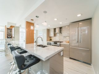 Photo 6: 706 198 AQUARIUS MEWS in Vancouver: Yaletown Condo for sale (Vancouver West)  : MLS®# R2424836