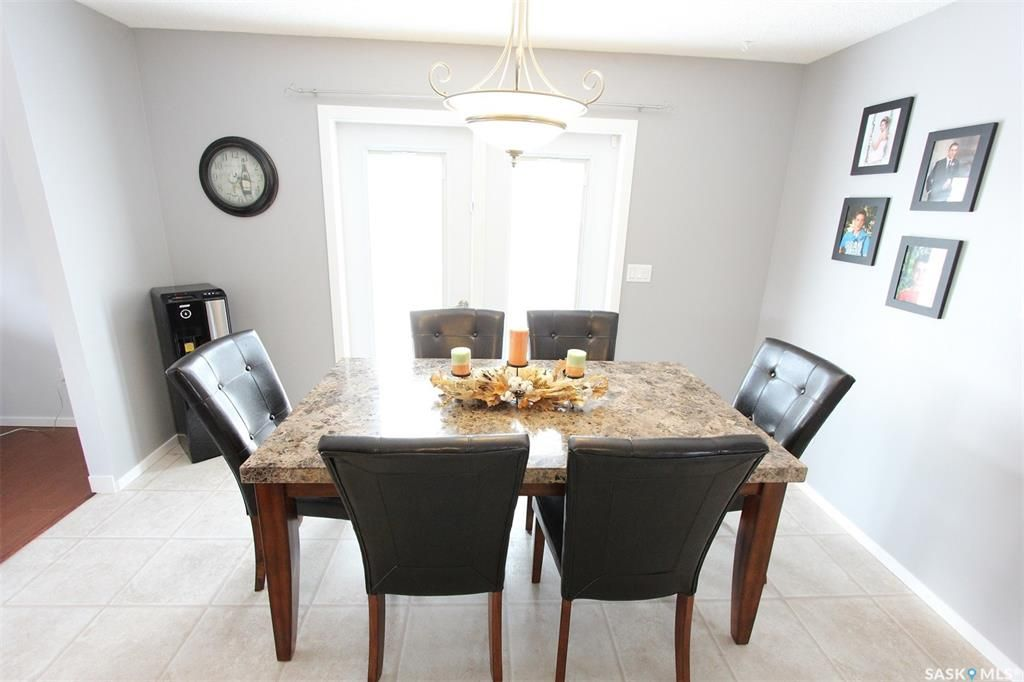Photo 9: Photos: 233 Lorne Street West in Swift Current: North West Residential for sale : MLS®# SK825782