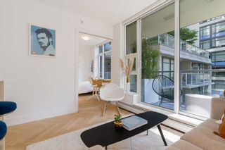 """Photo 7: 501 1708 COLUMBIA Street in Vancouver: False Creek Condo for sale in """"WALL CENTRE FALSE CREEK"""" (Vancouver West)  : MLS®# R2603692"""