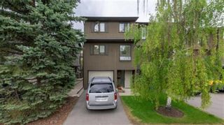 Main Photo: 12 23 Glamis Drive SW in Calgary: Glamorgan Row/Townhouse for sale : MLS®# A1078717