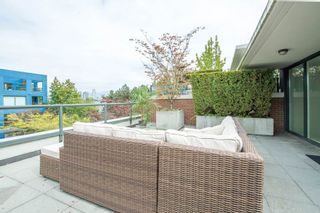 "Photo 13: 1451 W 7TH Avenue in Vancouver: Fairview VW Townhouse for sale in ""SIENNA @ PORTICO"" (Vancouver West)  : MLS®# R2107774"