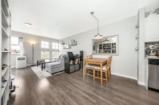 """Photo 5: W409 488 KINGSWAY Avenue in Vancouver: Mount Pleasant VE Condo for sale in """"HARVARD PLACE"""" (Vancouver East)  : MLS®# R2304937"""