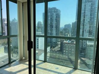 """Photo 15: 1406 1188 HOWE Street in Vancouver: Downtown VW Condo for sale in """"1188 HOWE"""" (Vancouver West)  : MLS®# R2600220"""