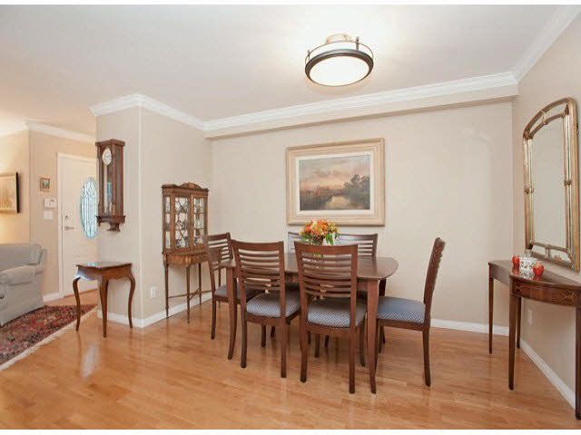 """Photo 9: Photos: 5 235 E 11TH Street in North Vancouver: Central Lonsdale Townhouse for sale in """"Fairview Court"""" : MLS®# V1094152"""