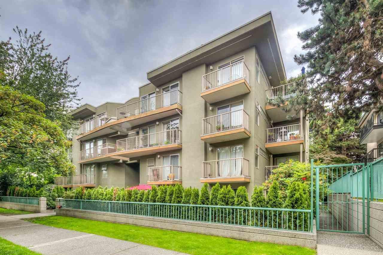 Main Photo: 105 1820 W 3RD Avenue in Vancouver: Kitsilano Condo for sale (Vancouver West)  : MLS®# R2425690