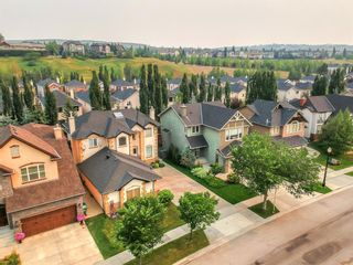 Photo 2: 271 Discovery Ridge Boulevard SW in Calgary: Discovery Ridge Detached for sale : MLS®# A1136188