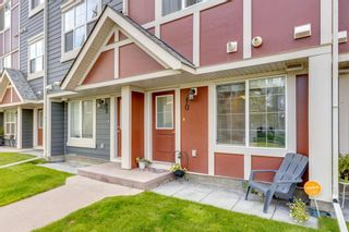 Photo 3: 10 Marquis Lane SE in Calgary: Mahogany Row/Townhouse for sale : MLS®# A1142989