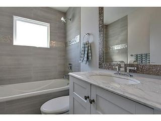 Photo 12: 38 WESTWOOD Drive SW in Calgary: Bungalow for sale : MLS®# C3560165