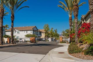 Photo 3: CHULA VISTA Townhouse for sale : 3 bedrooms : 1260 Stagecoach Trail Loop