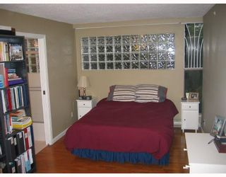 Photo 5: 2 1633 W 8TH Avenue in Vancouver: Fairview VW Condo for sale (Vancouver West)  : MLS®# V666446