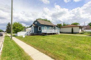 Photo 3: 5120 52 Avenue: Stony Plain House for sale : MLS®# E4248798