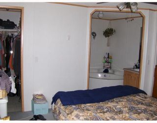 """Photo 8: 6946 ADAM Drive in Prince_George: Emerald Manufactured Home for sale in """"EMERALD"""" (PG City North (Zone 73))  : MLS®# N174041"""