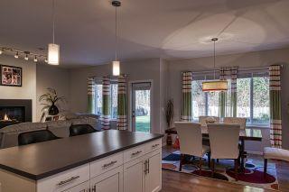 "Photo 12: 6406 APPLE ORCHARD Road in Sechelt: Sechelt District House for sale in ""WEST SECHELT"" (Sunshine Coast)  : MLS®# R2526272"