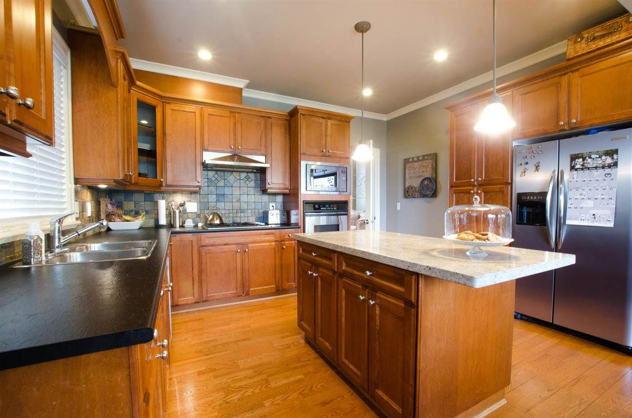 Photo 6: Photos: 4250 ARTHUR Drive in Delta: Delta Manor House for sale (Ladner)  : MLS®# R2239056