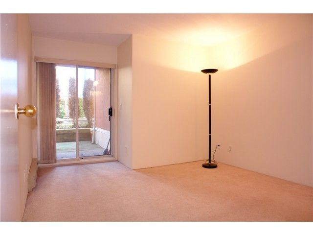 """Photo 7: Photos: # 284 8333 JONES RD in Richmond: Brighouse South Townhouse for sale in """"CAMELIA GARDENS"""" : MLS®# V985608"""