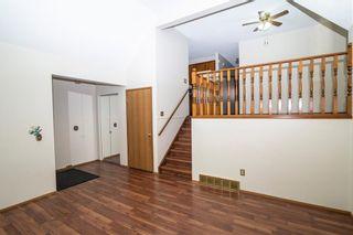 Photo 4: 227 FALMERE Way NE in Calgary: Falconridge Detached for sale : MLS®# C4299797