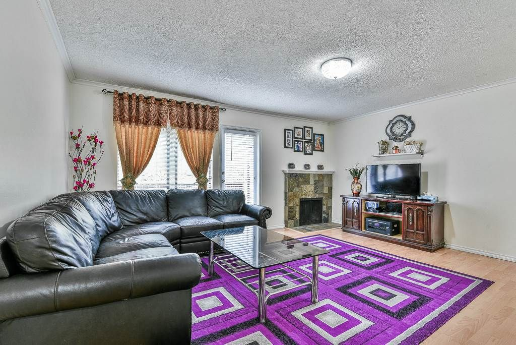 Main Photo: 1814 10620 150 STREET in : Guildford Townhouse for sale : MLS®# R2278686
