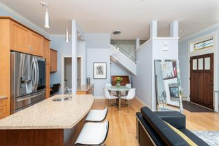 Photo 6: 3 209 Superior St in : Vi James Bay Row/Townhouse for sale (Victoria)  : MLS®# 877635