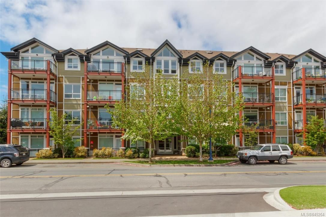 Main Photo: 109 2710 Jacklin Rd in Langford: La Jacklin Condo for sale : MLS®# 845264
