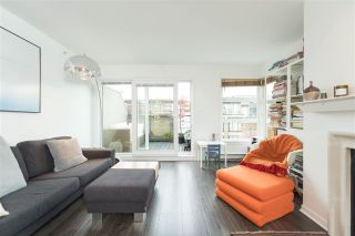 """Photo 1: 409 2181 W 12TH Avenue in Vancouver: Kitsilano Condo for sale in """"THE CARLINGS"""" (Vancouver West)  : MLS®# R2109924"""