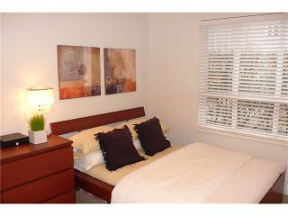 Photo 9: 113 365 E 1ST Street in North Vancouver: Lower Lonsdale Condo for sale : MLS®# V937776