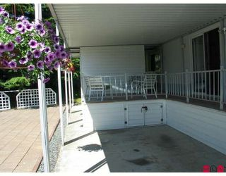 """Photo 2: 99 15875 20TH Avenue in Surrey: King George Corridor Manufactured Home for sale in """"Searidge Bays"""" (South Surrey White Rock)  : MLS®# F2820551"""