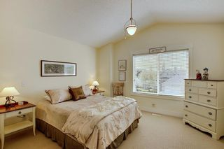 Photo 16: 45 Discovery Heights SW in Calgary: Discovery Ridge Row/Townhouse for sale : MLS®# A1109314