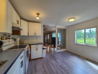 """Photo 12: 2604 MINOTTI Drive in Prince George: Hart Highway Manufactured Home for sale in """"HART HIGHWAY"""" (PG City North (Zone 73))  : MLS®# R2589076"""