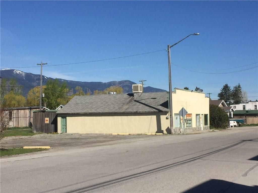 Main Photo: 8921 GRAINGER ROAD in Canal Flats: Retail for sale : MLS®# 2437380
