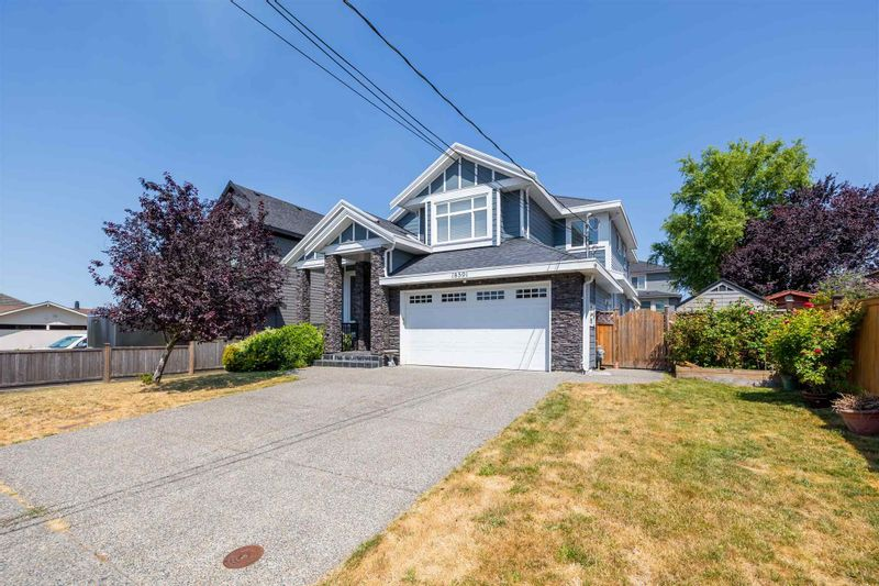 FEATURED LISTING: 18591 56 Avenue Surrey