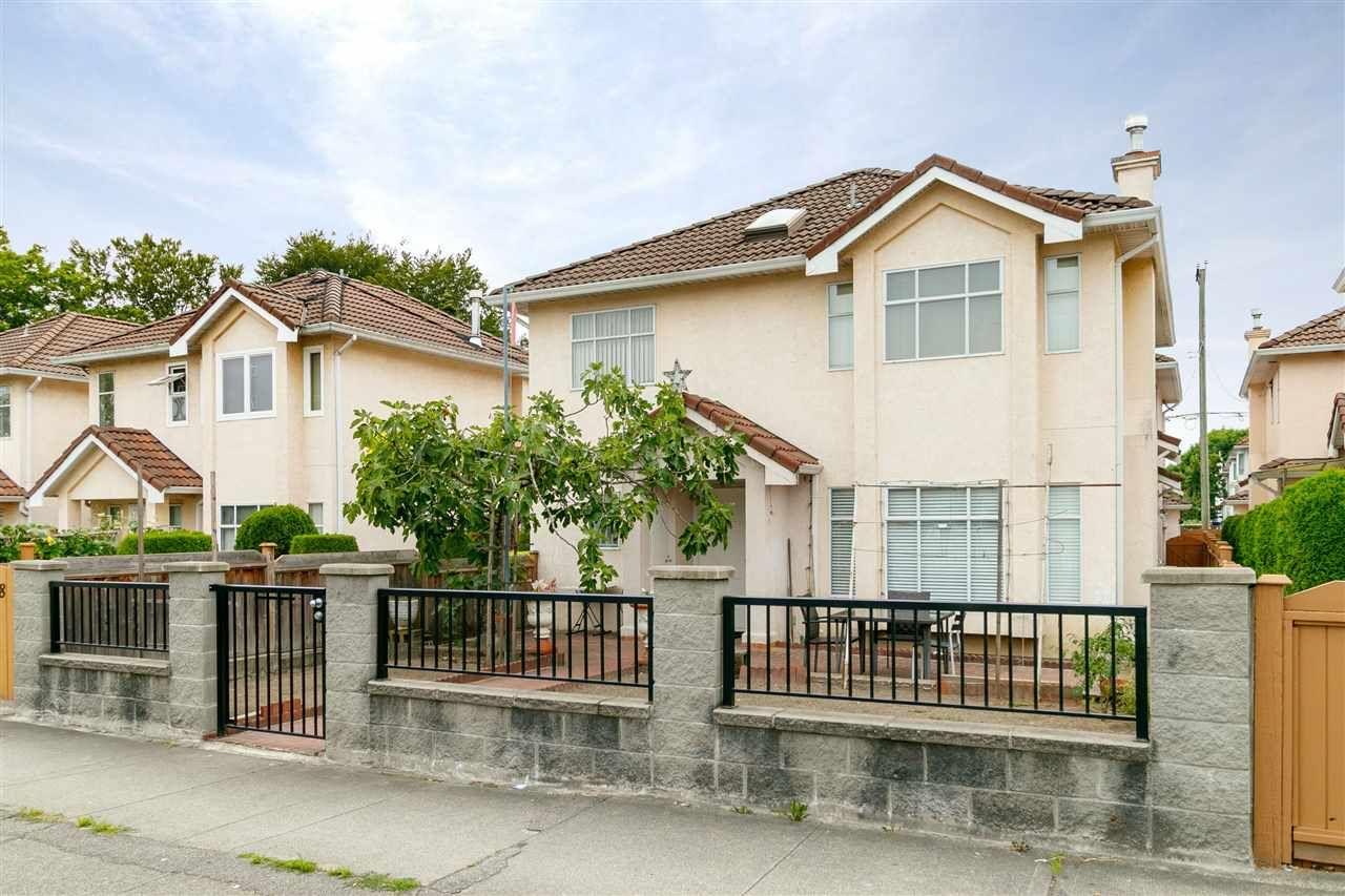 Main Photo: 1262 NANAIMO Street in Vancouver: Renfrew VE 1/2 Duplex for sale (Vancouver East)  : MLS®# R2324836
